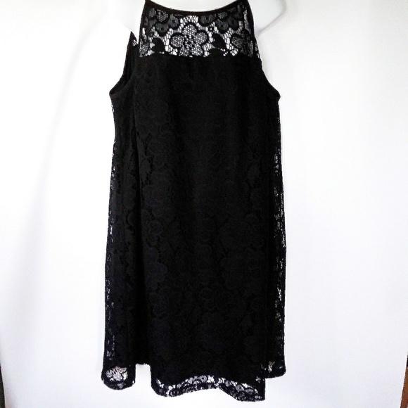 Dresses & Skirts - EUC black lace a line slip dress